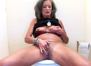 Mature gloryhole