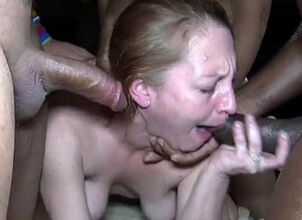 Mature anal threesome