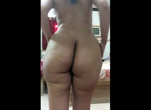 Exhibitionist live cam