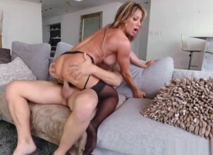 Diamond jackson seduced by a cougar