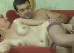 Mom surprise creampie