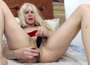 Wet mom pussy